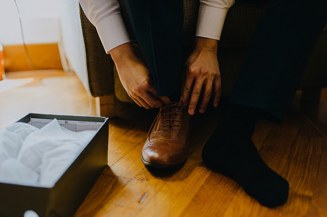 57e9d4444350ab14f6da8c7dda793278143fdef85254764a742c72dc944c 640 - Finding The Right Shoes - Some Tips And Advice